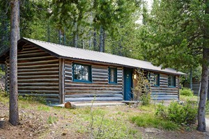 Cabins in Grand Teton National Park :: Choose from Jenny Lake Lodge's rustic & elegant cabins, or Colter Bay Cabins tucked on the shores of Jackson Lake. Staying right in Grand Teton National Park is unforgettable.