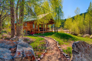 Budges' Slide Lake Rental Homes - on the lake