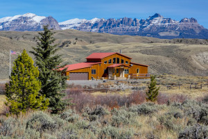 Big Diamond Ranch - cabins and family lodge